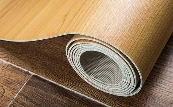 Đặt cuộn sàn chống tĩnh điện, mỗi cuộn cách nhau khoảng 2cm