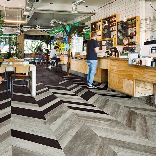 Giá sàn nhựa vân gỗ có họa tiết sáng tạo rất cạnh tranh trên thị trường