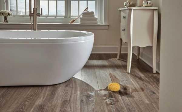 Lắp đặt sàn nhựa hèm khóa nhà tắm