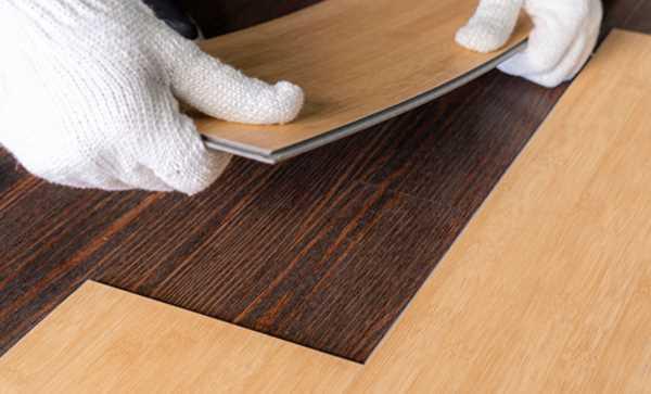 Thi công lắp đặt sàn nhựa giả gỗ hèm khóa
